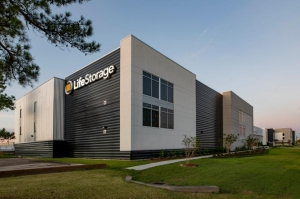 Life Storage - Metairie - 2500 Airline Drive