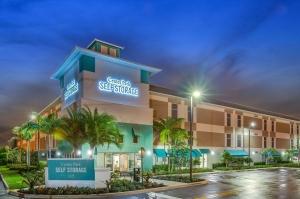 Center Park Self Storage Facility at  115 Banyan Street, Jupiter, FL