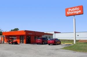 Public Storage - Jacksonville - 5757 University Blvd W Facility at  5757 University Blvd W, Jacksonville, FL
