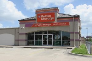 Public Storage - Pinellas Park - 4221 Park Blvd Facility at  4221 Park Blvd, Pinellas Park, FL