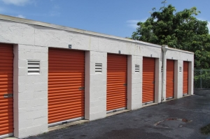 Image of Public Storage - Lake Worth - 2701 Lake Worth Road Facility on 2701 Lake Worth Road  in Lake Worth, FL - View 2