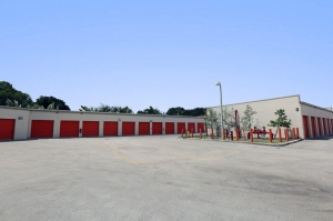 Public Storage - Hollywood - 9495 Sheridan Street - Photo 2