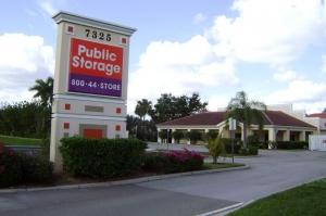 Public Storage - Naples - 7325 Davis Blvd Facility at  7325 Davis Blvd, Naples, FL