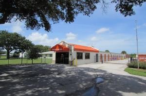 Public Storage - Vero Beach - 650 4th St Facility at  650 4th St, Vero Beach, FL