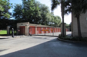 Image of Public Storage - Tampa - 16217 N Dale Mabry Hwy Facility on 16217 N Dale Mabry Hwy  in Tampa, FL - View 4