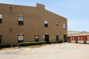 Image of Public Storage - Houston - 4341 Southwest Freeway Facility at 4341 Southwest Freeway  Houston, TX
