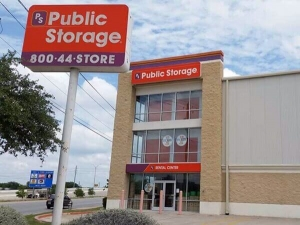 Public Storage - Austin - 2301 E Ben White Blvd - Photo 1