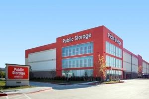 Public Storage - Fort Worth - 10555 North Fwy Facility at  10555 North Fwy, Fort Worth, TX