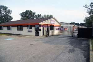 Public Storage - Parma - 11395 Brookpark Road Facility at  11395 Brookpark Road, Parma, OH