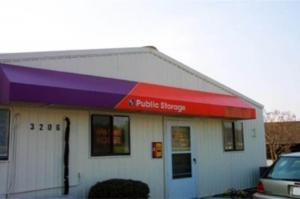 Public Storage - Greensboro - 3206 N OHenry Blvd Facility at  3206 N OHenry Blvd, Greensboro, NC