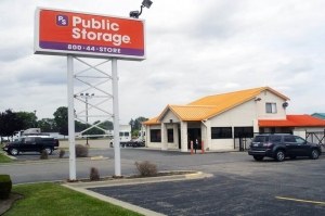 Public Storage - Mt Clemens - 111 S Groesbeck Hwy Facility at  111 S Groesbeck Hwy, Mt Clemens, MI
