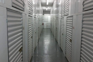 Image of Public Storage - Great Neck - 91 Cuttermill Road Facility on 91 Cuttermill Road  in Great Neck, NY - View 2