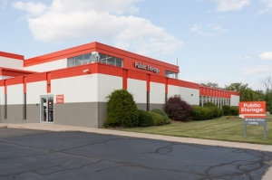 Public Storage - Madison Heights - 1020 W 13 Mile Rd Facility at  1020 W 13 Mile Rd, Madison Heights, MI