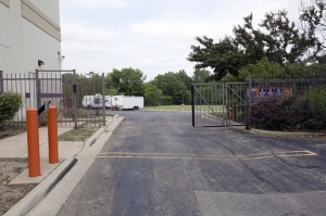 Image of Public Storage - Hanover Park - 2620 W Lake Street Facility on 2620 W Lake Street  in Hanover Park, IL - View 4