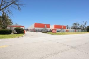 Public Storage - Darien - 1001 N Frontage Road Facility at  1001 N Frontage Road, Darien, IL