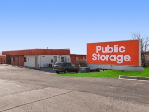 Image of Public Storage - Carol Stream - 440 E Saint Charles Rd Facility at 440 E Saint Charles Rd  Carol Stream, IL