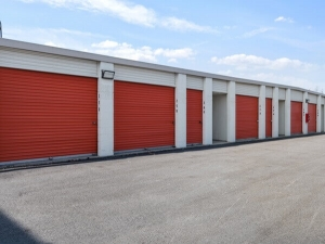 Image of Public Storage - Carol Stream - 440 E Saint Charles Rd Facility on 440 E Saint Charles Rd  in Carol Stream, IL - View 2