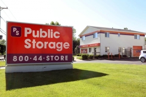 Public Storage - Elgin - 1300 East Chicago Street Facility at  1300 East Chicago Street, Elgin, IL