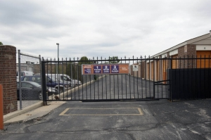 Image of Public Storage - Schaumburg - 930 S Roselle Road Facility on 930 S Roselle Road  in Schaumburg, IL - View 4