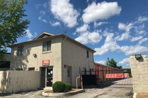 Public Storage - St Louis - 4653 World Parkway Circle Facility at  4653 World Parkway Circle, St Louis, MO