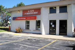 Public Storage - Waukesha - N5W22966 Bluemound Rd Facility at  N5W22966 Bluemound Rd, Waukesha, WI