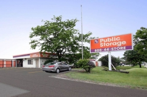 Public Storage - Elk Grove Village - 2901 Touhy Ave Facility at  2901 Touhy Ave, Elk Grove Village, IL
