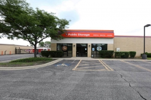 Image of Public Storage - Schaumburg - 777 W Wise Road Facility at 777 W Wise Road  Schaumburg, IL