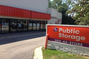 Public Storage - Edina - 4425 West 77th St Facility at  4425 West 77th St, Edina, MN