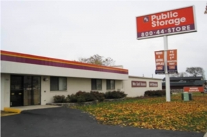 Public Storage - Milwaukee - 900 W Layton Ave