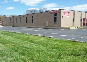 Image of CubeSmart Self Storage - Teaneck Facility on 123 West Tryon Avenue  in Teaneck, NJ - View 2