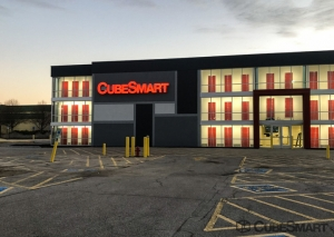 CubeSmart Self Storage - Belleville Facility at  120 Carlyle Plaza Drive, Belleville, IL