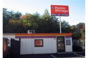 Public Storage - Greenville - 28 Woods Lake Road Facility at  28 Woods Lake Road, Greenville, SC