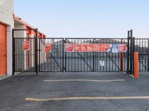 Image of Public Storage - Chicago - 7455 South Pulaski Road Facility on 7455 South Pulaski Road  in Chicago, IL - View 4