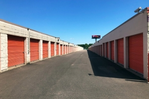 Image of Public Storage - West St Paul - 415 Marie Ave E Facility on 415 Marie Ave E  in West St Paul, MN - View 2