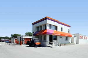 Public Storage - Oakbrook Terrace - 17 W 170 Roosevelt Road Facility at  17 W 170 Roosevelt Road, Oakbrook Terrace, IL