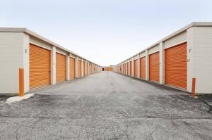 Image of Public Storage - Alsip - 12730 S Pulaski Road Facility on 12730 S Pulaski Road  in Alsip, IL - View 2
