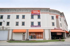 Public Storage - Berwyn - 2801 S Harlem Ave Facility at  2801 S Harlem Ave, Berwyn, IL