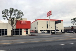Public Storage - Sherman Oaks - 4610 Van Nuys Blvd Facility at  4610 Van Nuys Blvd, Sherman Oaks, CA
