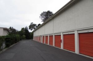 Image of Public Storage - Del Rey Oaks - 180 Calle Del Oaks Facility on 180 Calle Del Oaks  in Del Rey Oaks, CA - View 2