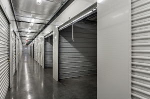 Image of StorQuest - Venice / Englewood Facility on 5115 Englewood Road  in Venice, FL - View 3