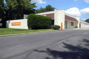 Public Storage - Upper Arlington - 4780 Arlington Centre Blvd Facility at  4780 Arlington Centre Blvd, Upper Arlington, OH
