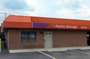 Public Storage - Richmond - 7020 Jefferson Davis Hwy Facility at  7020 Jefferson Davis Hwy, Richmond, VA