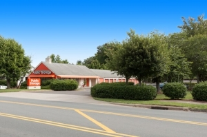 Public Storage - Winston Salem - 5155 Country Club Road Facility at  5155 Country Club Road, Winston Salem, NC