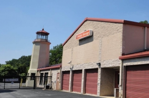 Public Storage - Newtown Square - 5085 West Chester Pike Facility at  5085 West Chester Pike, Newtown Square, PA