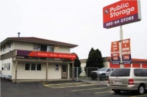 Public Storage - Milwaukee - 5014 S 13th Street Facility at  5014 S 13th Street, Milwaukee, WI