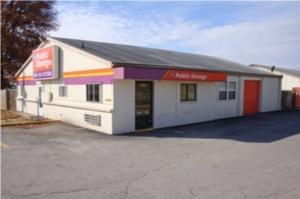 Public Storage - Kansas City - 9820 Holmes Road Facility at  9820 Holmes Road, Kansas City, MO