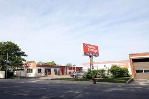 Public Storage - Chicago - 5838 N Pulaski Road Facility at  5838 N Pulaski Road, Chicago, IL