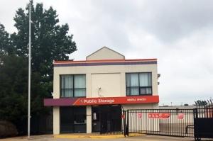 Public Storage - Ballwin - 2211 Barrett Station Road Facility at  2211 Barrett Station Road, Ballwin, MO