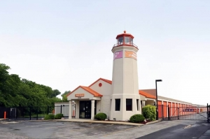 Public Storage - Alsip - 5200 W 127th Street Facility at  5200 W 127th Street, Alsip, IL