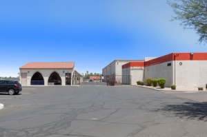Public Storage - Phoenix - 2421 N Black Canyon Hwy Facility at  2421 N Black Canyon Hwy, Phoenix, AZ